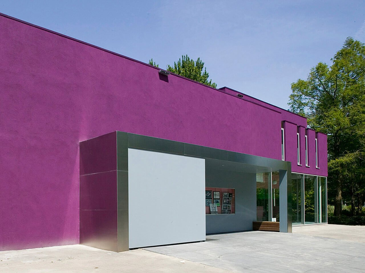The main entrance: purple stucco and stainless steel!